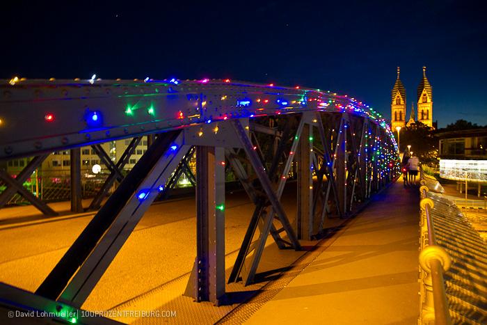 Die bunte Brücke: LED Leuchtalarm!