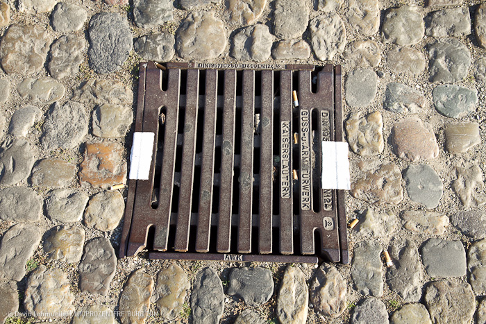 Gullydeckel Streetart in Freiburg (11)