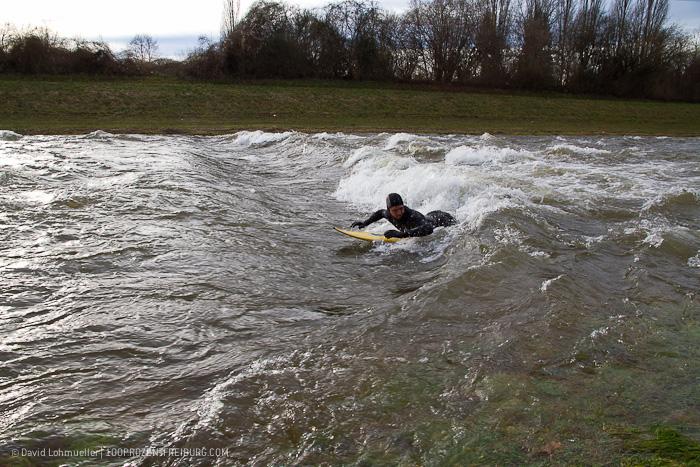 Surfen auf der Dreisam (11)