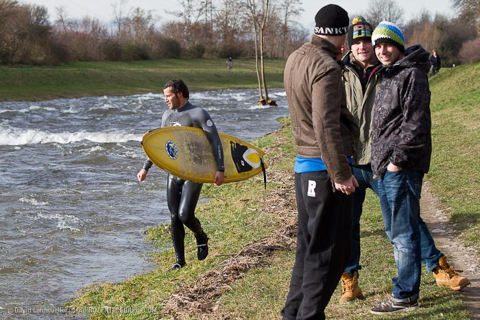 Surfen auf der Dreisam (13)