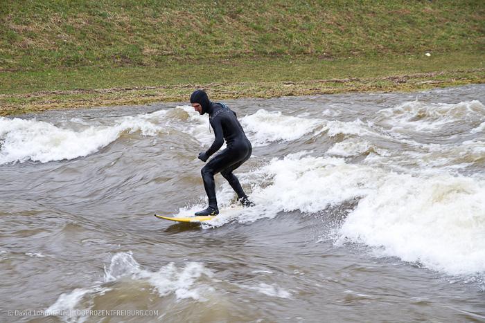 Surfen auf der Dreisam (27)