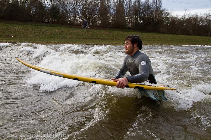 Surfen auf der Dreisam (4)