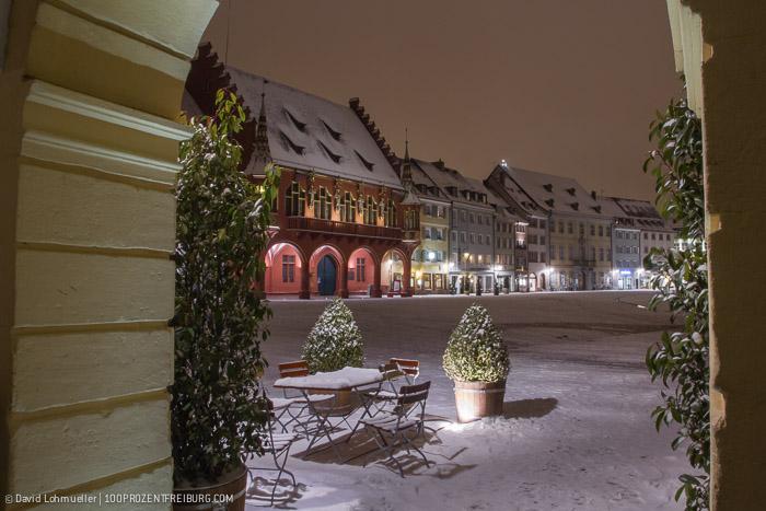 Freiburger Münsterplatz im Schnee (4)
