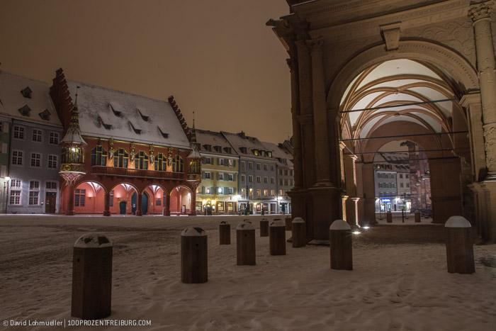 Freiburger Münsterplatz im Schnee (8)