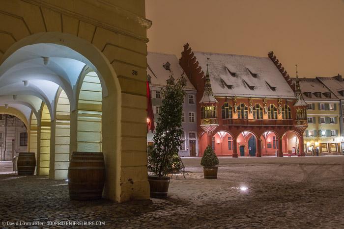 Freiburger Münsterplatz im Schnee (2)