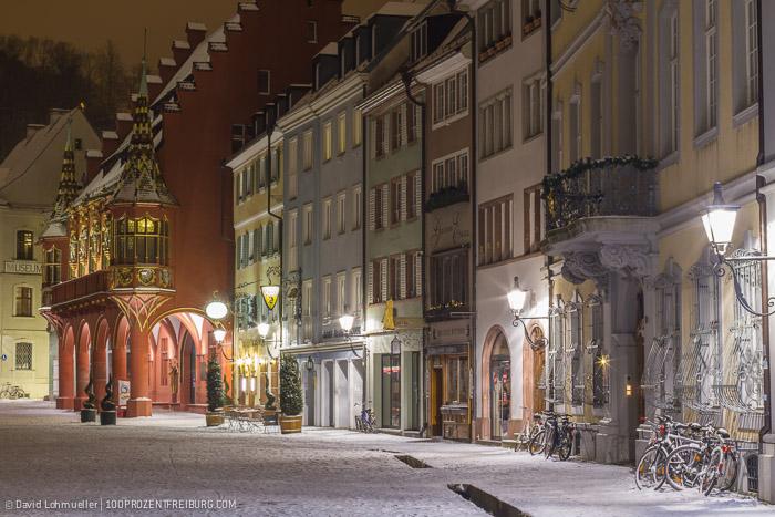 Freiburger Münsterplatz im Schnee (21)