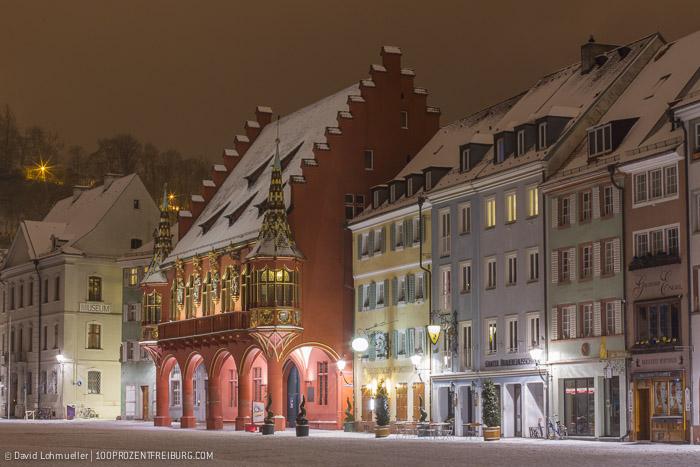 Freiburger Münsterplatz im Schnee (16)