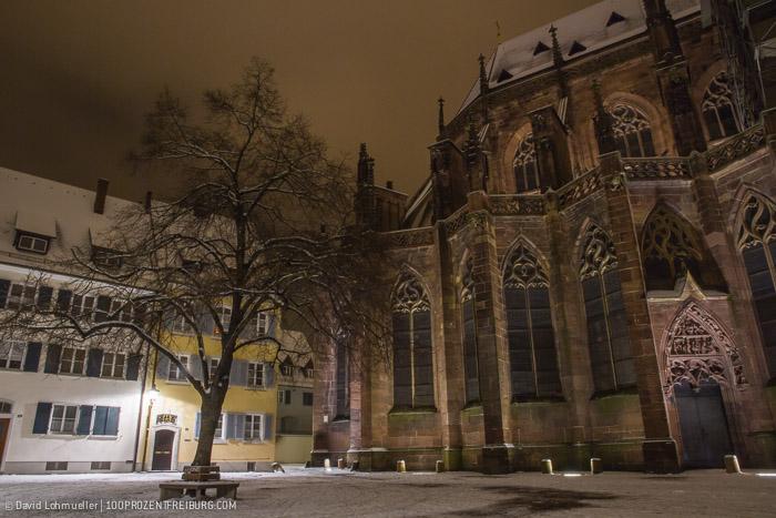 Freiburger Münsterplatz im Schnee (20)