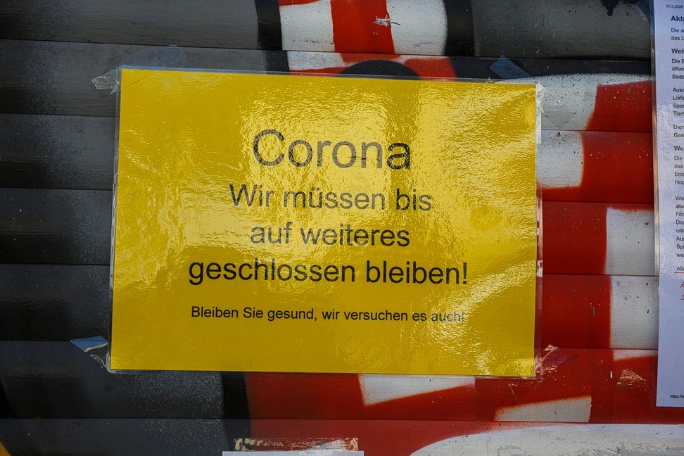 Corona-Schilder (17)